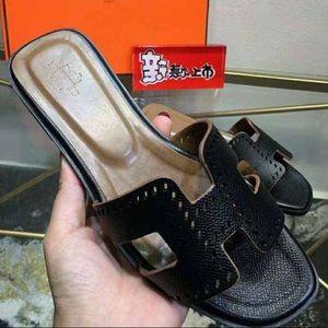 H Oran style sandal